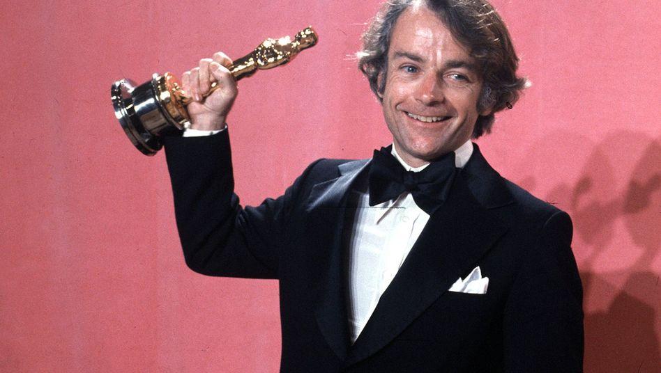 John G. Avildsen bei der Oscar-Verleihung 1977