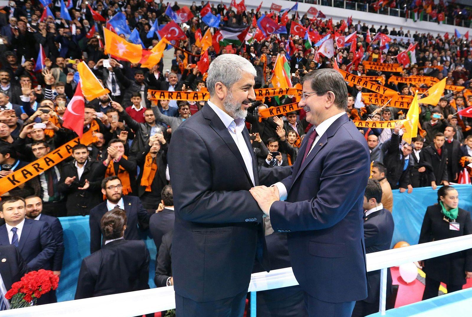AKP-Kongress: Hamas-Chef Mashal bei Ahmet Davutoglu