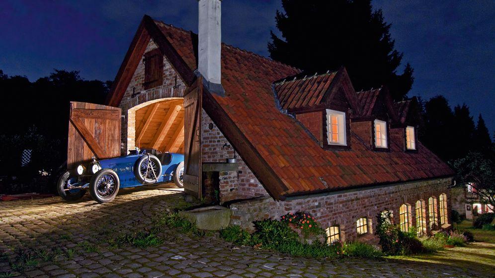 """Bildband """"Traumgaragen"""": Autos als Immobilien"""