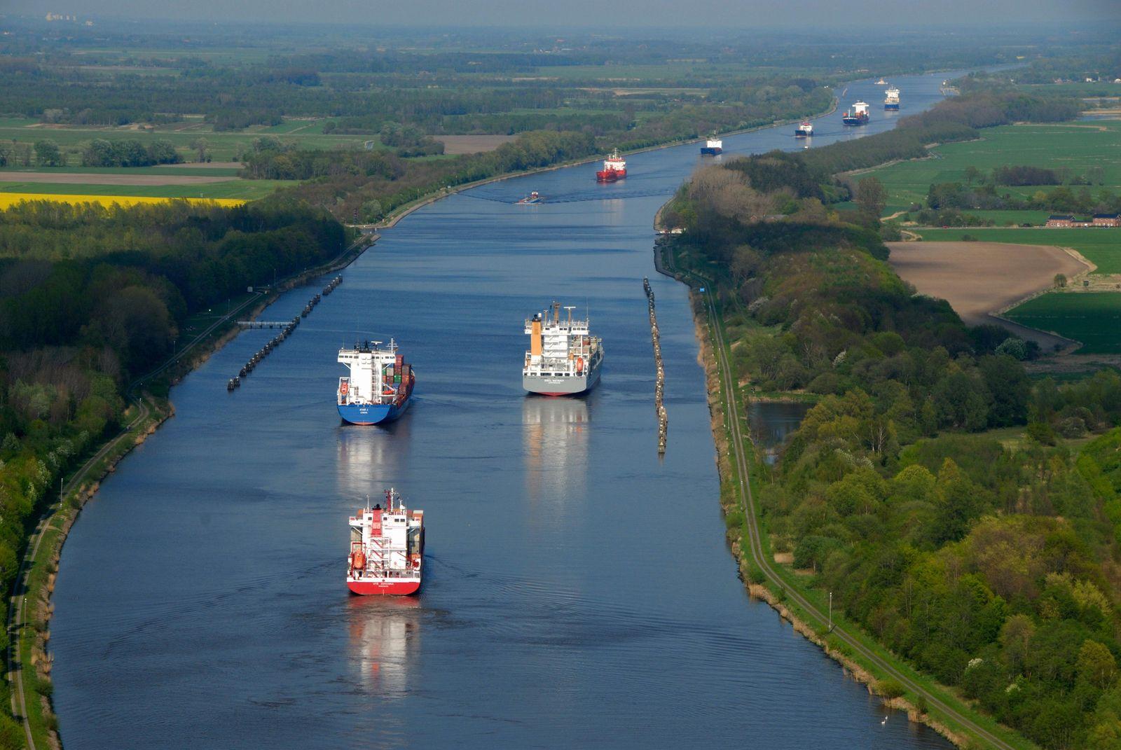 Kiel Canal, Rendsburg, Rendsburg, Schleswig-Holstein, Germany, Europe