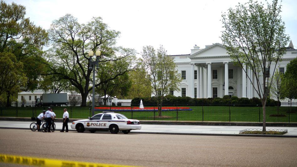 Polizei-Absperrung vor dem Weißen Haus: Gift-Kuvert in der Poststelle entdeckt
