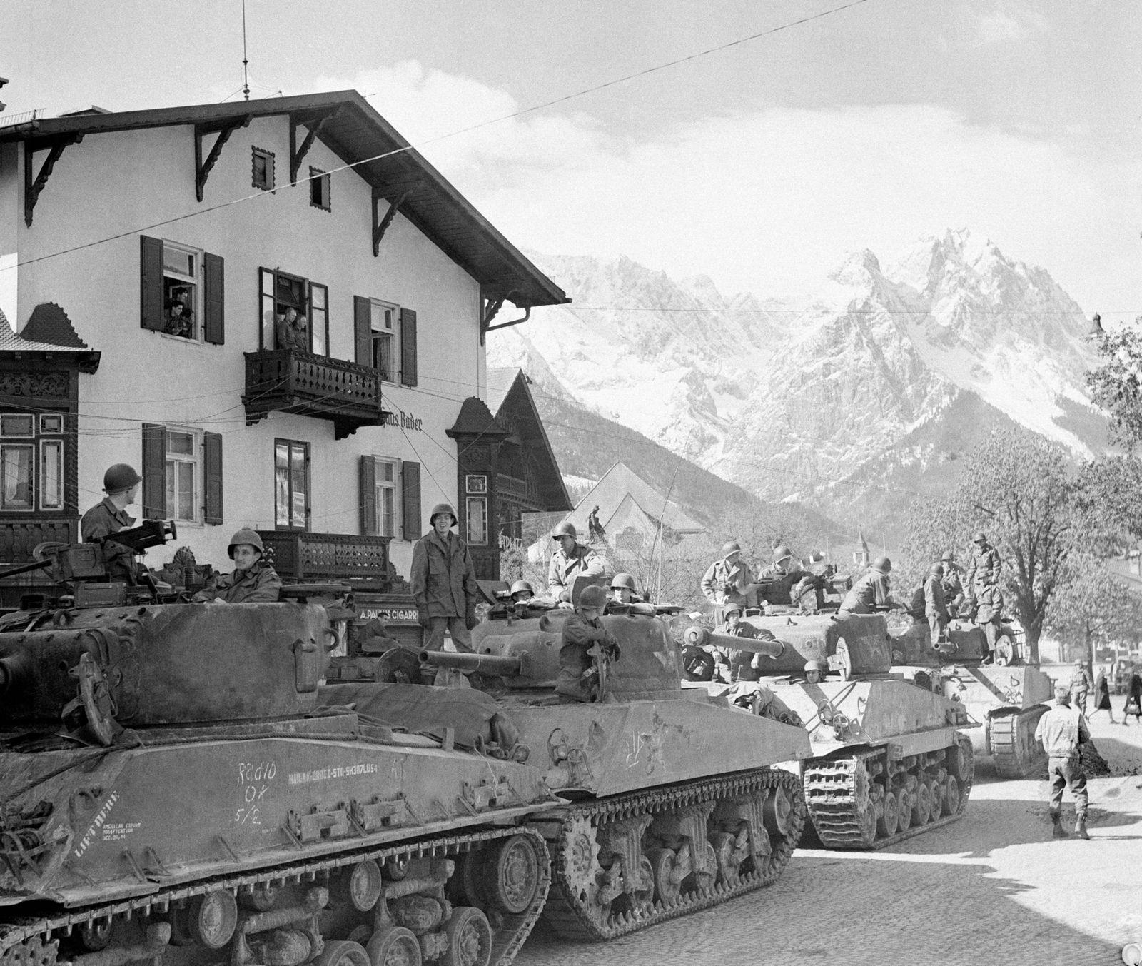 Blindés américains à Garmisch-Partenkirchen