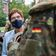 Kramp-Karrenbauer bittet Opfer von Diskriminierung um Entschuldigung