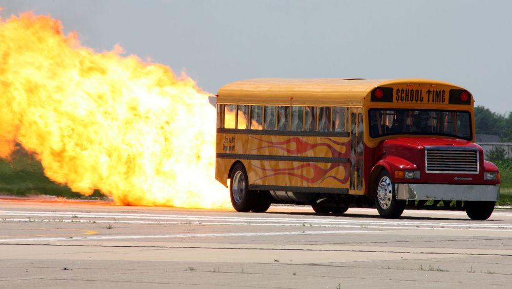 Schulbus mit Jet-Antrieb: Feuer und Flamme