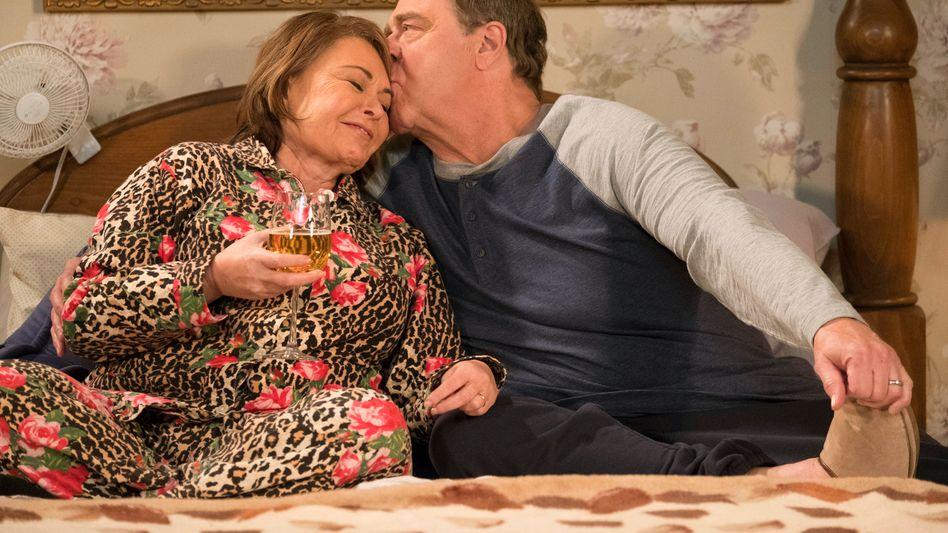 "Roseanne Barr (mit John Goodman in der Serie ""Roseanne"")"