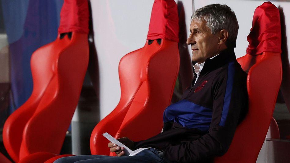 Womöglich ahnte er es bereits: Quique Setién beim Champions-League-Viertelfinale gegen die Bayern