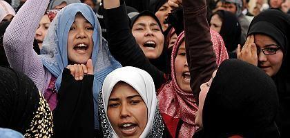 Demonstrierende Frauen in Kabul: Protest gegen das Ehegesetz