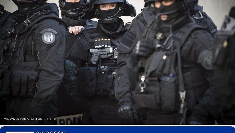 Französische Sicherheitskräfte in Saint-Denis im November 2015