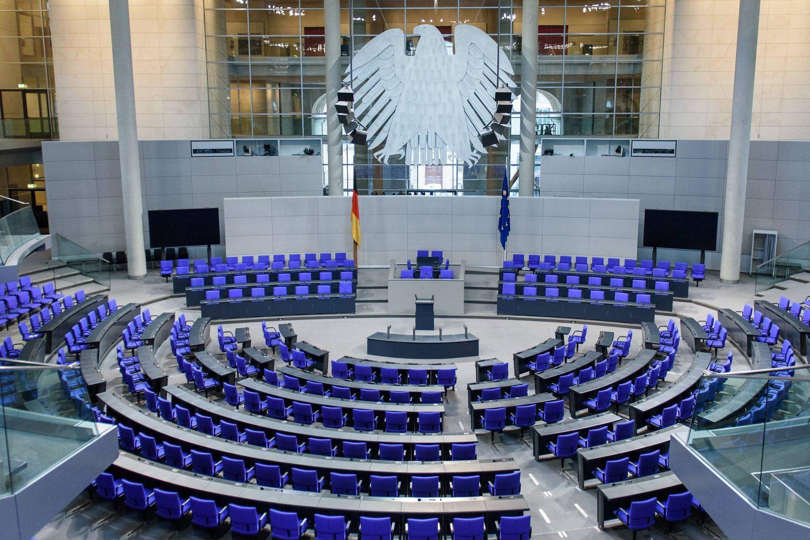 Plenarsaal Bundestag Deutschland, Berlin - 17/12/2018: Der Leere Plenarsaal des deutschen Bundestag. Berlin Bundestag B