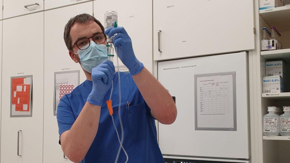 Grünenpolitiker Andreas Krahl arbeitet in den Osterferien im Krankenhaus