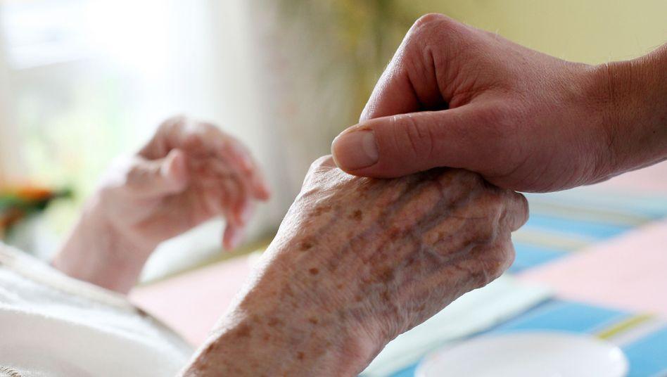 Bewohner im Pflegeheim: Auf Hilfe angewiesen