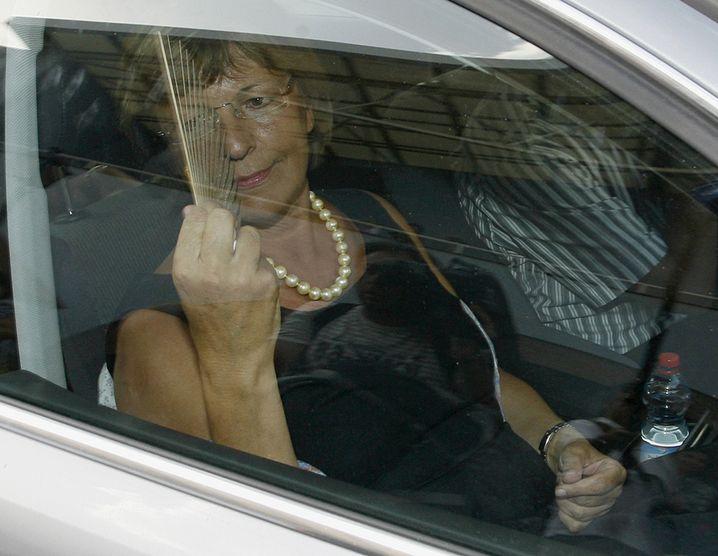 """Ministerin Schmidt im Ersatzwagen auf dem Weg zu einem Auftritt in Els Poblets, Spanien: """"Stand nicht in der Terminliste drin"""""""