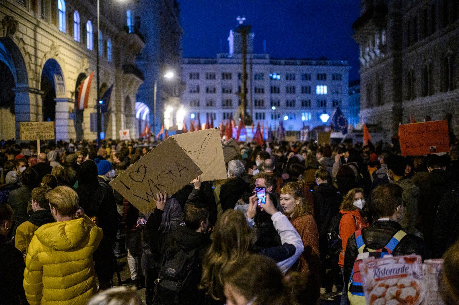 Demonstration against Austrian Chancellor Kurz in Vienna