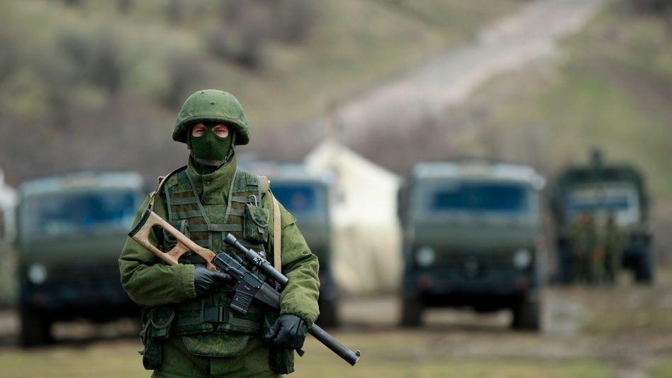 """Bewaffneter auf der Krim (17. März 2014): Einmarsch der """"kleinen grünen Männchen"""""""