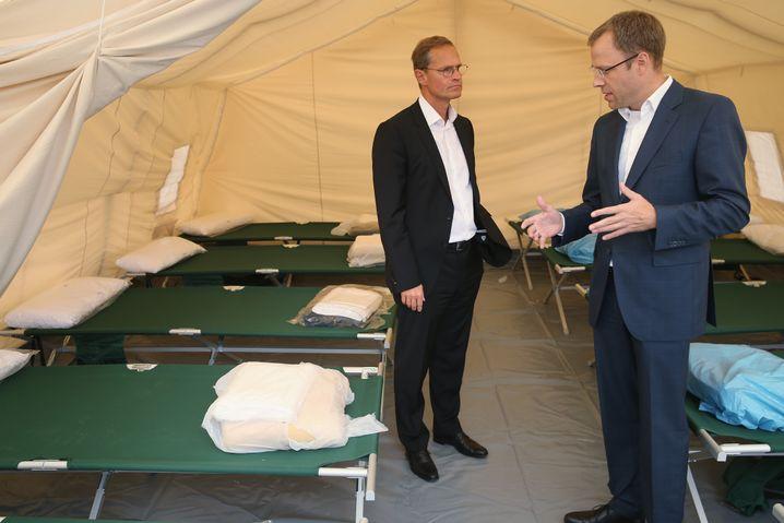 Regierender Bürgermeister Müller und Senator Czaja: Misstrauen