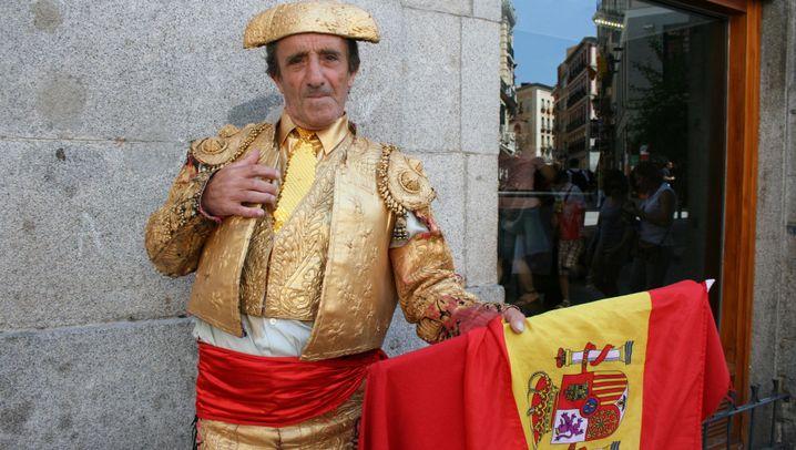 Spanien im WM-Freudentaumel: Schoßhündchen rot-gelb