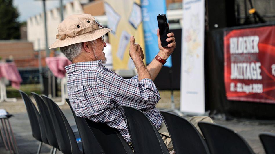 In der Politik geht es meistens um die Interessen älterer Menschen