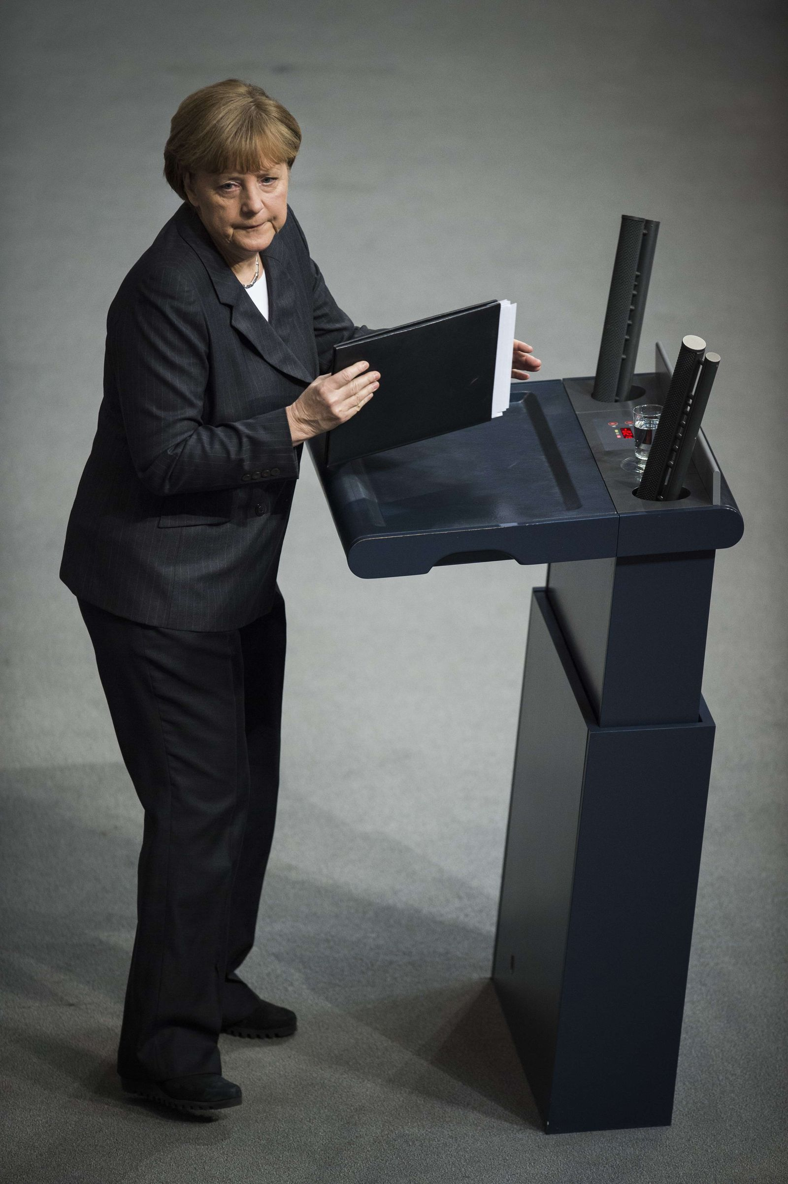 GERMANY-POLITICS-PARLIAMENT-FRANCE-ATTACKS-CHARLIE-HEBDO