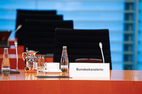 Der Stuhl im Kanzleramt bleibt leer: Angela Merkel regiert weiter aus dem Homeoffice