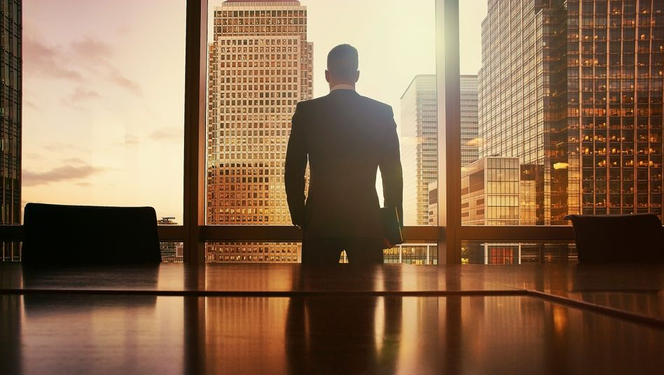 Ganz oben: Eine neue Studie zeigt, auf welchen Wegen CEOs an die Spitze kommen