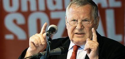 """Spitzenkandidat Bisky: """"Huldigung der klassischen neoliberalen Positionen"""""""