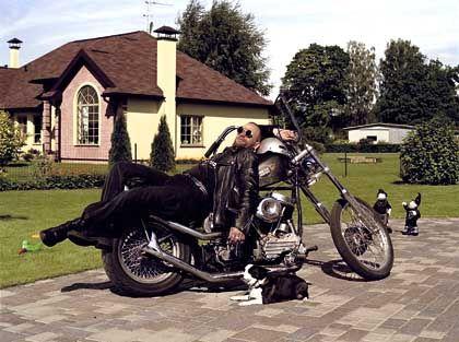 LBS-Werbeplakat: Harley zu fahren, ist mehr als Fortbewegung