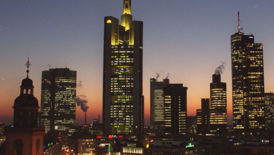 Commerzbank-Turm in Frankfurt: Kündigung von Investmentbankerin war nicht rechtmäßig