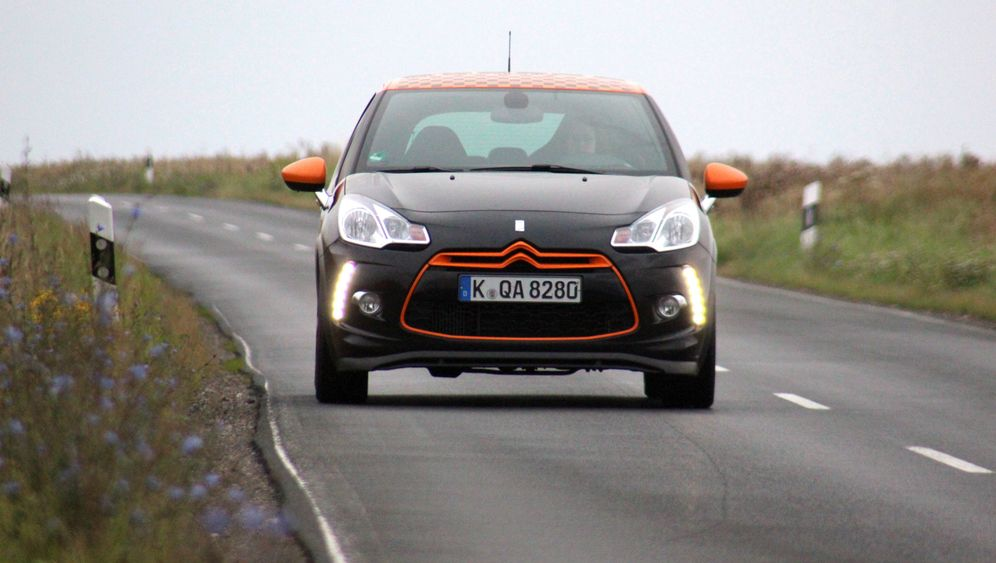 Citroën DS3 Racing: Schwarz-oranges Renntrikot
