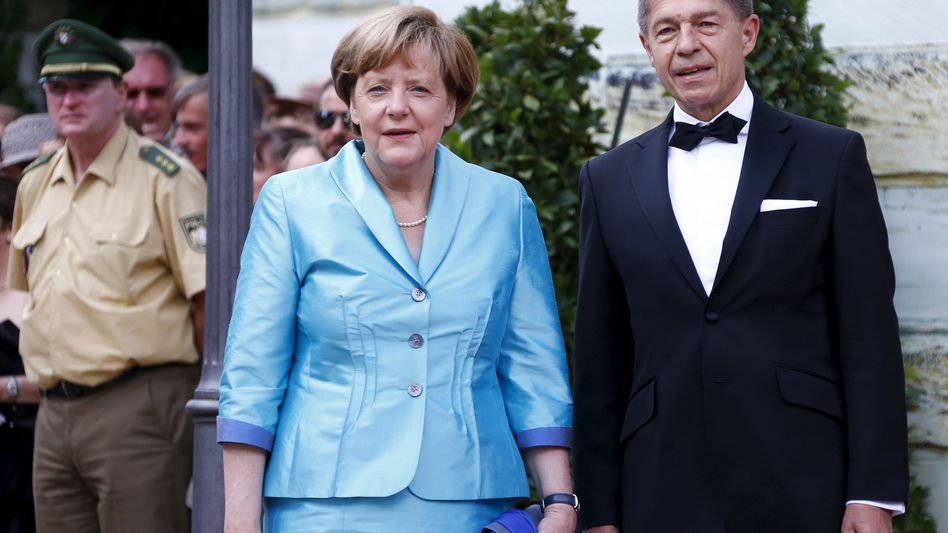 Angela Merkel mit Ehemann Joachim Sauer bei der Eröffnung der Festspiele