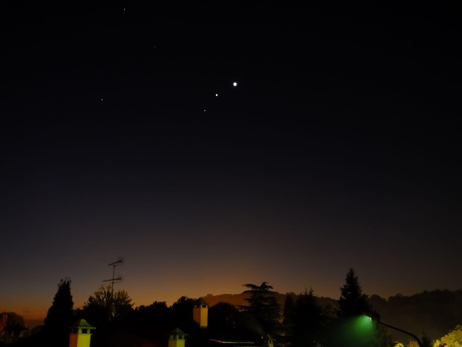 EINMALIGE VERWENDUNG Venus Mars Jupiter/ Annäherung