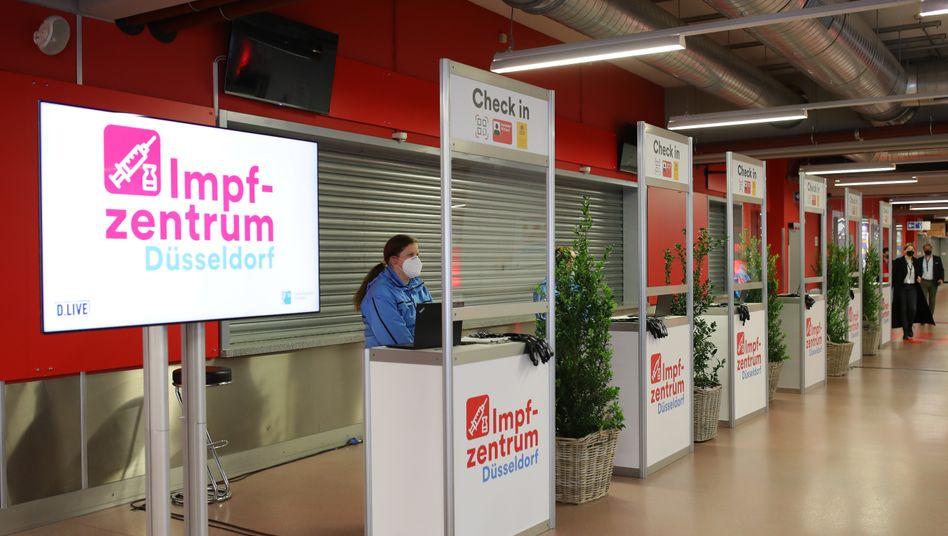 Impfzentrum in Düsseldorfer Merkur-Arena:Historische Aufgabe