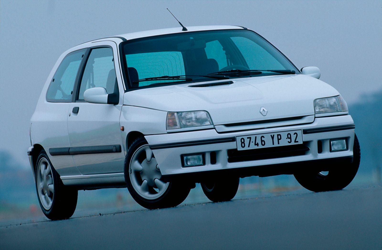 RENAULT CLIO 16 V 3 DOOR - 94 MODEL
