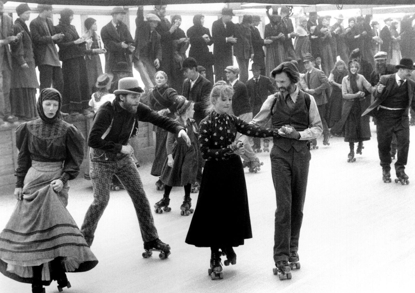 HEAVEN'S GATE, from left, center, Isabelle Huppert, Kris Kristofferson, 1980, ©United Artists/Courte