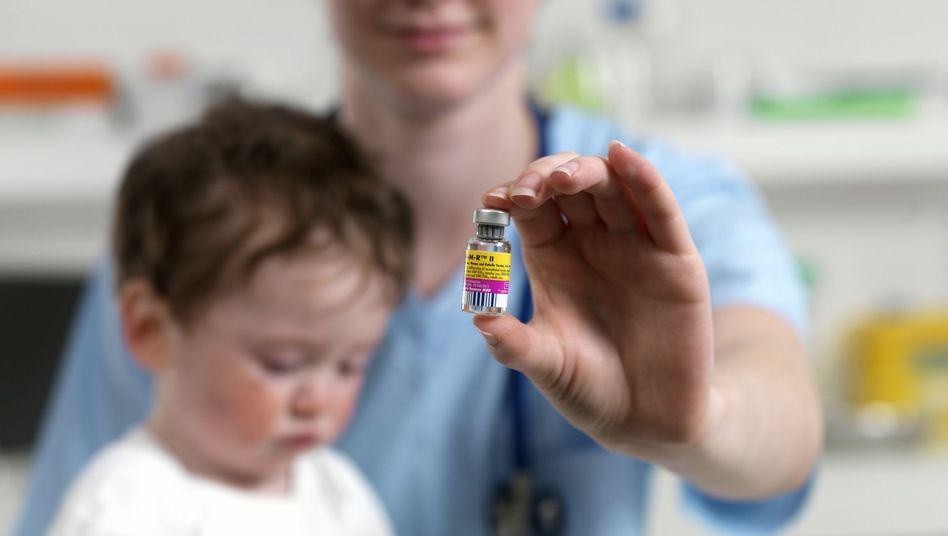 Masernimpfstoff: Impfrisiken sind seltener als Komplikationen der Krankheiten