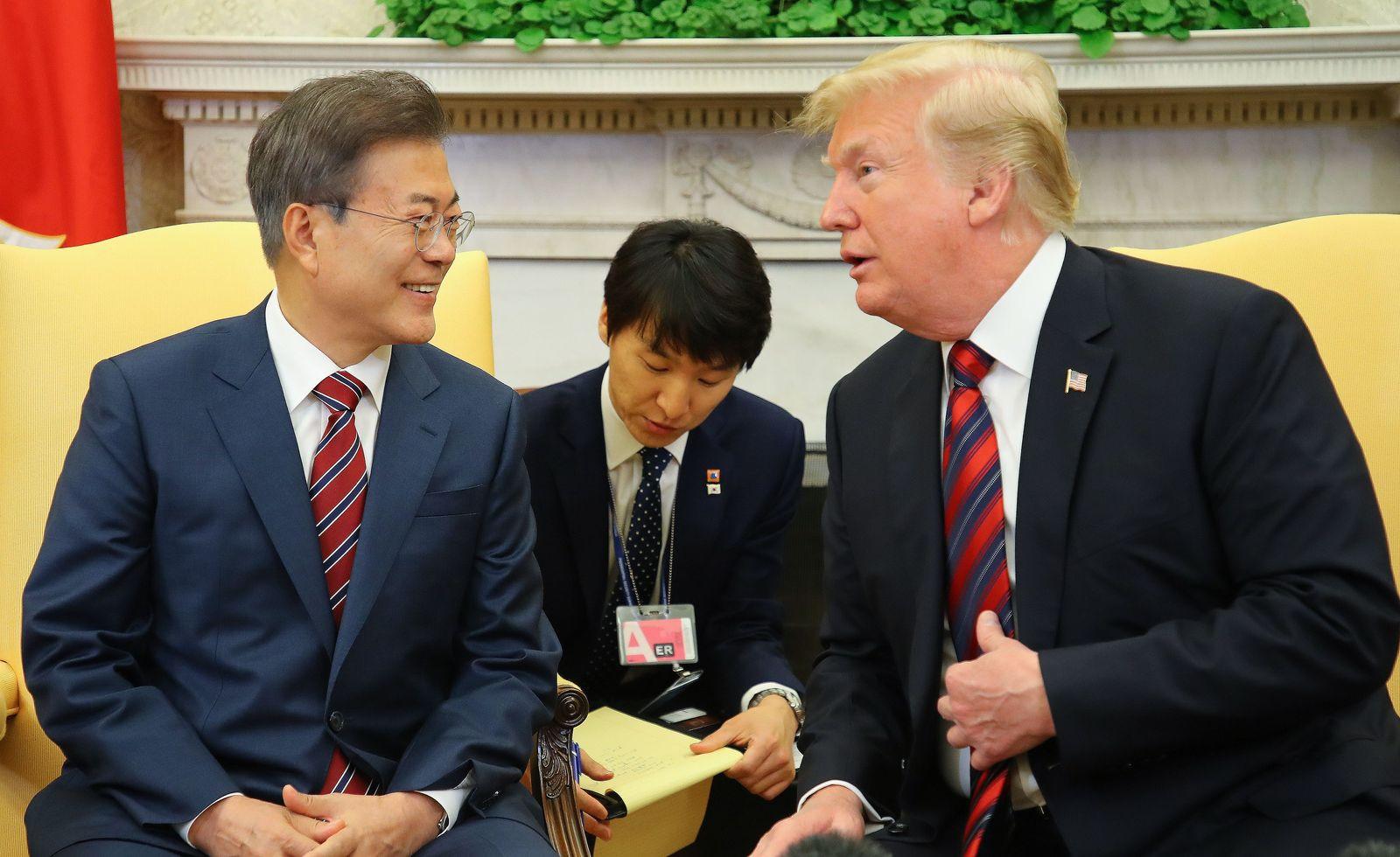 Moon Jae-in / Donald Trump