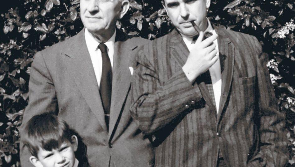 Papandreou-Clan (der heutige Premier Georgios Papandreou in Kindertagen mit Großvater Georgios und Vater Andreas)