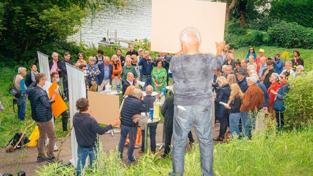 Kampf für freie Uferwege: Die Bürgerinitiative »Griebnitzsee für Alle« hat eingeladen, Olaf Scholz ist gekommen