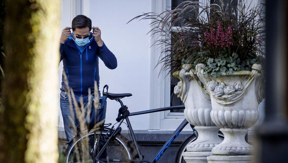 Premier Mark Rutte: Mit dem Rad zum Corona-Meeting in Den Haag