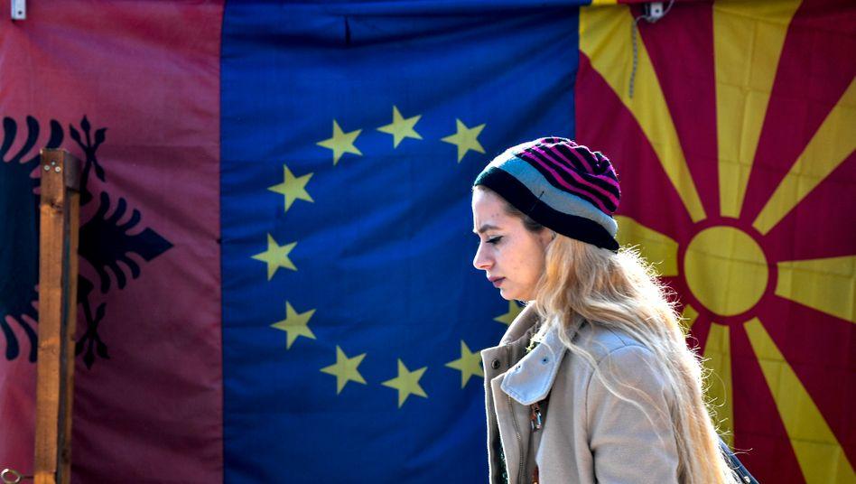 EU will Beitrittsgespräche mit Nordmazedonien und Albanien | Politik