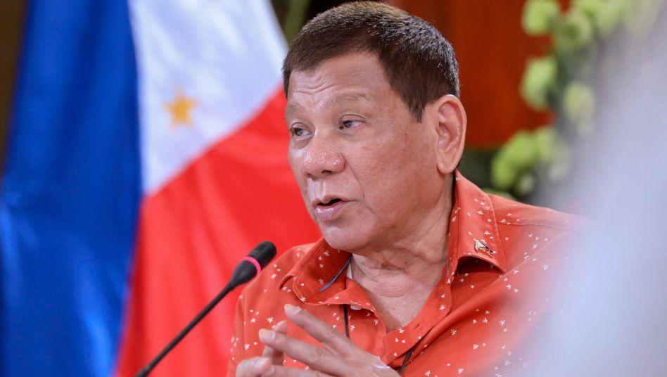 Präsident Duterte auf einer Pressekonferenz im Oktober