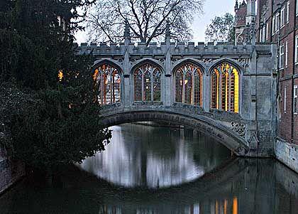 Melancholie mit Tradition: Seufzerbrücke in Cambridge