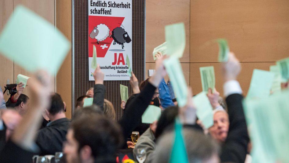 Delegiertenversammlung der Schweizer SVP: Ja zur Durchsetzungsinitative