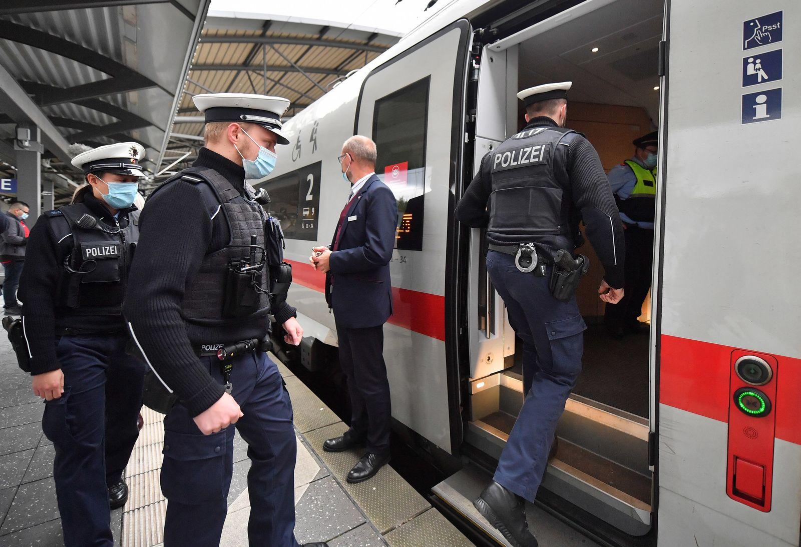 Bahn verstärkt Maskenkontrollen