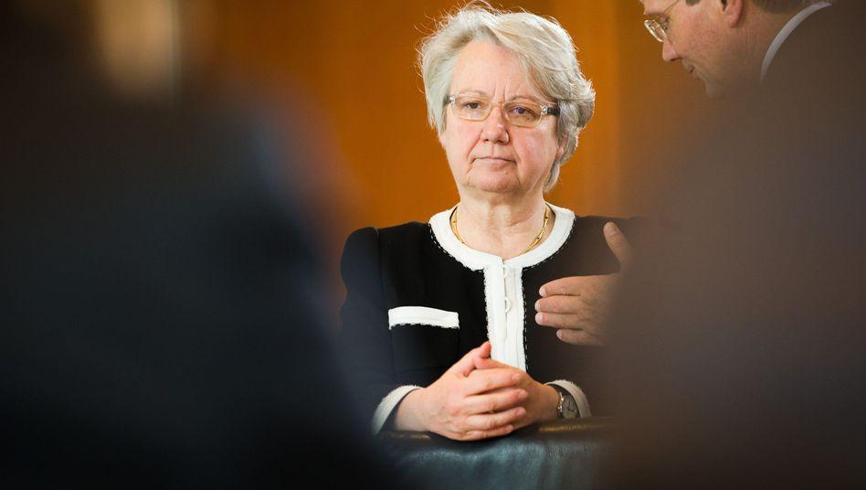 Bildungsministerin Schavan: Zum Abwarten verdammt