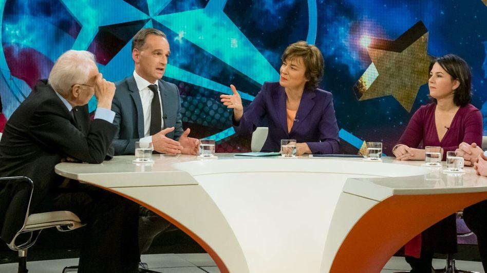 """Moderatorin Illner (3.v.l.) mit ihren Gästen: """"Geliebter Feind - braucht Europa Putin?"""""""