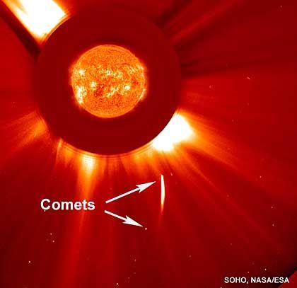 Kometenpaar im Anflug auf die Sonne: Mit dem Schweif davongekommen