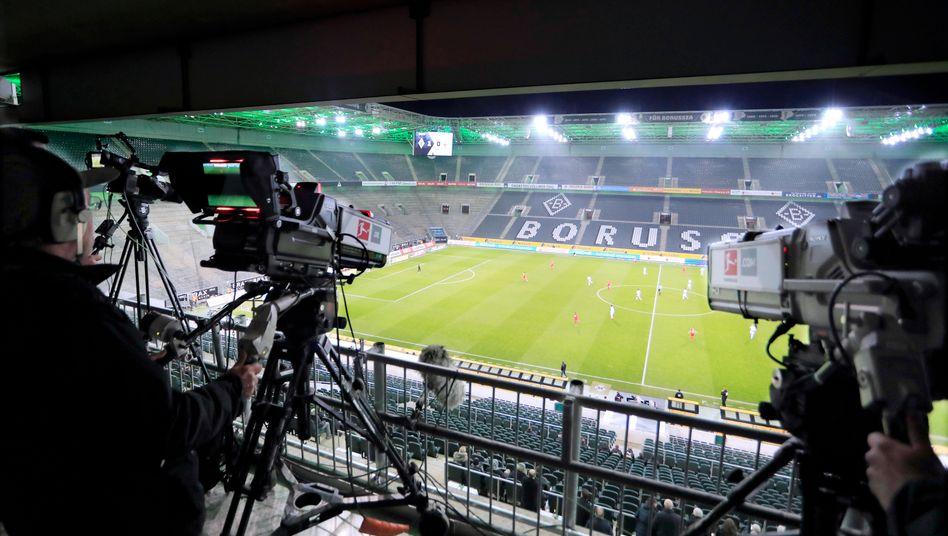 Im Fokus: Die Bundesliga ist weltweit die einzige große Sportliga, die in der Coronakrise wieder starten darf