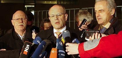Struck, Kauder, Ramsauer: Einigung nach stundenlangen Verhandlungen