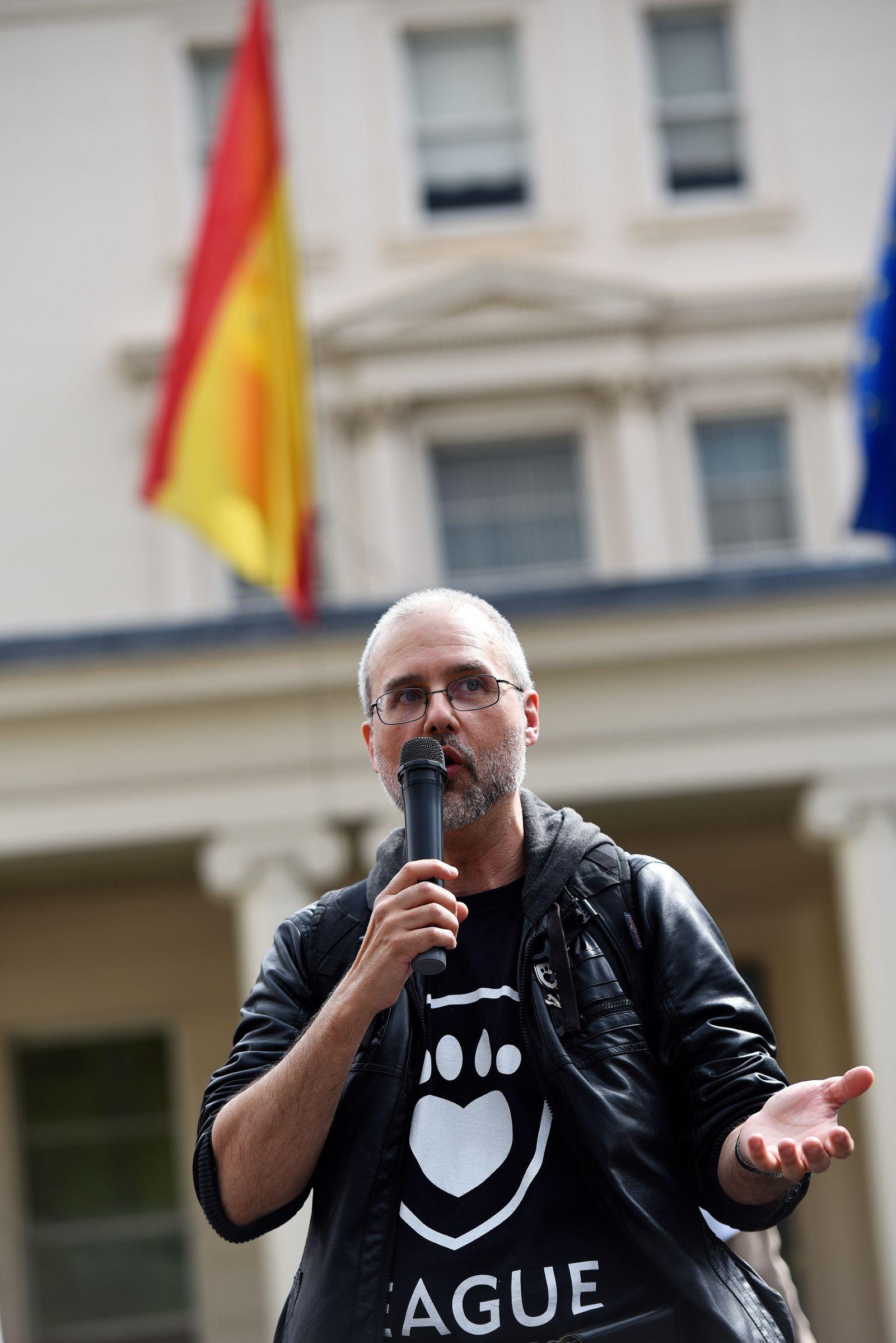 EINMALIGE VERWENDUNG Jordi Casamitjana