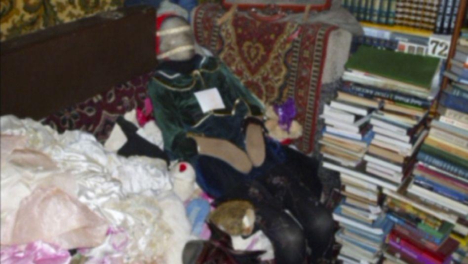 Polizeifoto: Mumifizierter Körper in der Wohnung des Tatverdächtigen